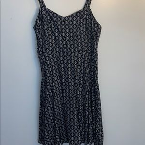black and white patter dress, smooth material